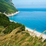 spiaggia-dei-sassi-neri-