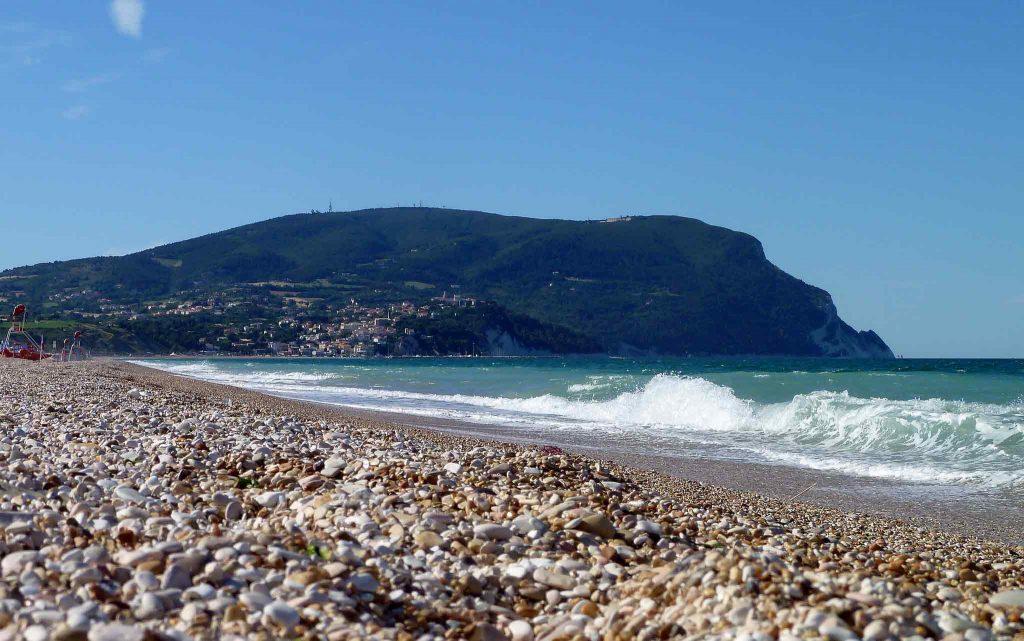 spiaggia-numana-bassa