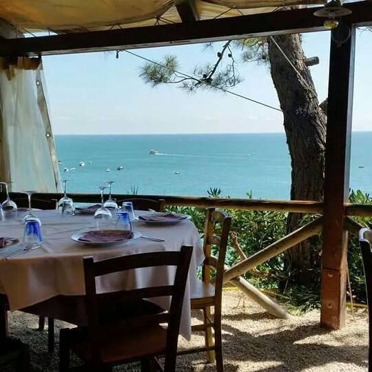 ristorante da silvio a sirolo il luogo magico  lovely ancona, Disegni interni